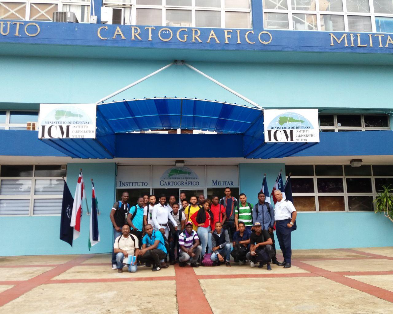 Visita de la Universidad Nacional Evangélica al Instituto Cartográfico Militar
