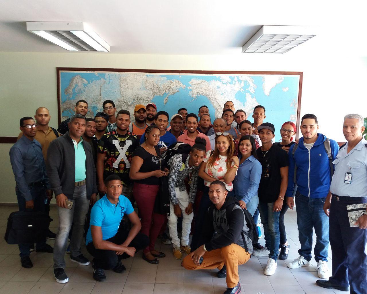 Visita de los Estudiantes de Agrimensura del recinto de la Universidad Autónoma de Santo Domingo en San Francisco de Macoris y Nagua