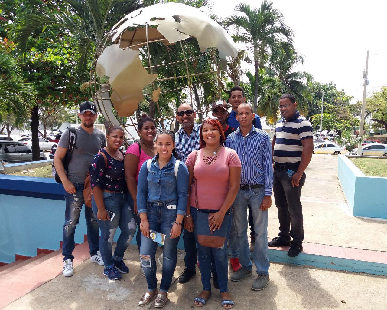 Visita de los Estudiantes de Agrimensura de la Universidad Nacional Pedro Henriquez Ureña de La Vega