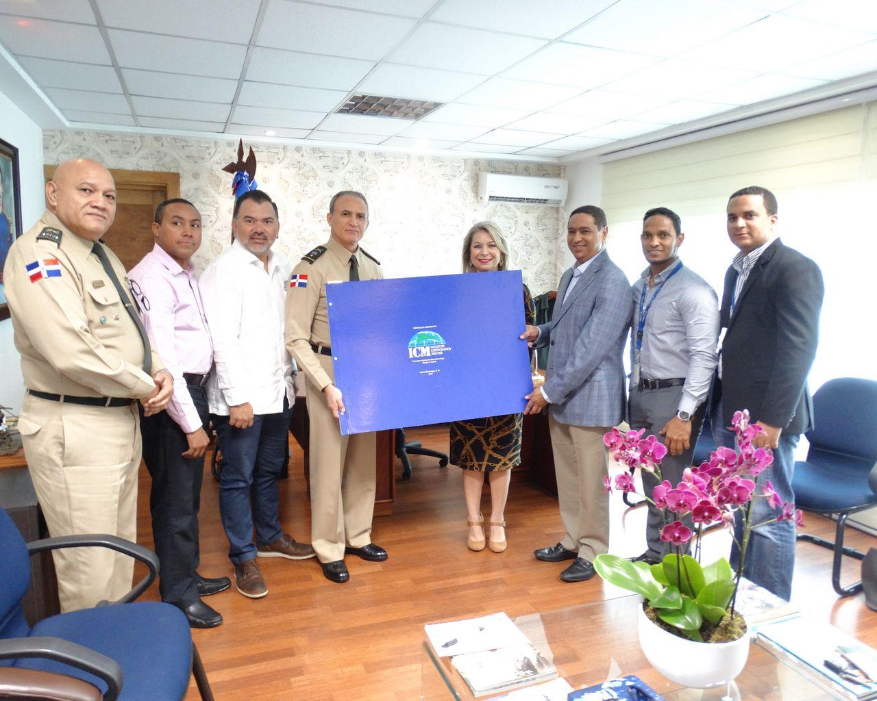 ICM entrega Álbum del Portulano del Puerto de Santo Domingo a la Asociación de Navieros de República Dominicana