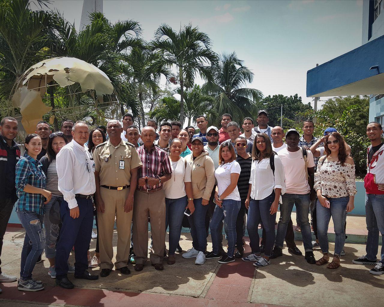 Visita de los estudiantes de la Universidad Autónoma de Santo Domingo – Recinto Santiago