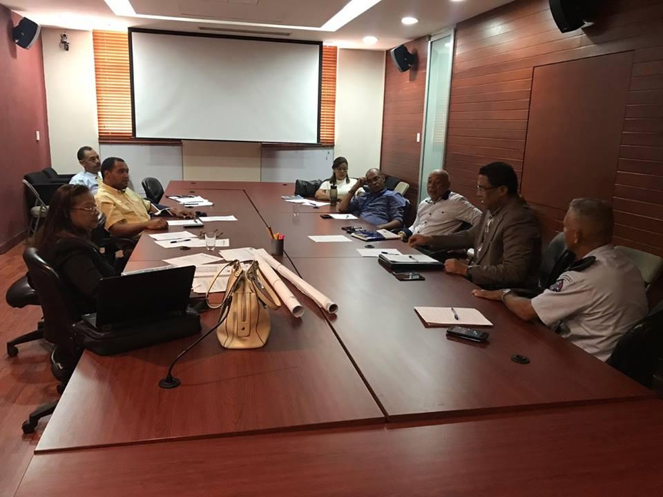 Personal del ICM en Reunión con la Comisión de Limites Geográfico